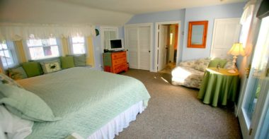 Sweet 9 bed with light green comforter