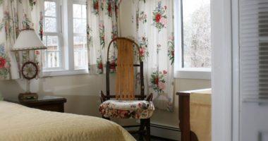 A peak into the Lambs Retreat bedroom